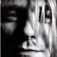 """Livro: """"Mais Pesado Que o Céu – Uma Biografia de Kurt Cobain """""""